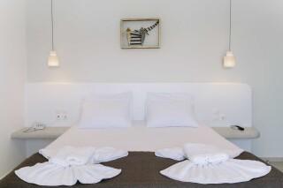 tania milos seaside rooms bedroom