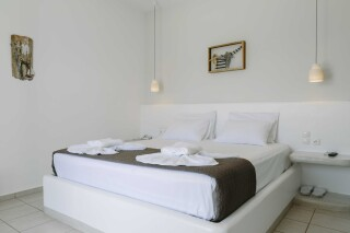 tania milos seaside rooms double bed